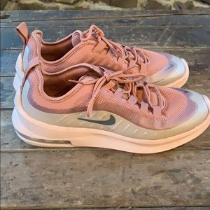 Women Nike air size 8.5 mauve sneakers - worn once